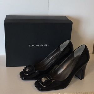 Tahari black patent pumps - Never Worn! Size 7